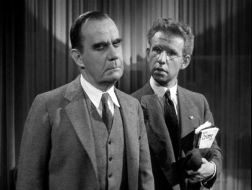 the-asphalt-jungle:  Henry Travers and Hume Cronyn Well, if I was gonna kill you, I wouldn't do a dumb thing like  hitting  you on the head. First of all, I don't like the fingerprint  angle. Of  course, I could always wear gloves. Press your hands against  the pipe  after you were dead and make you look like a suicide. Except  it don't  seem hardly likely that you'd beat yourself to death with a  club. I'd  murder you so it didn't look like murder. Shadow Of A Doubt - (1943)