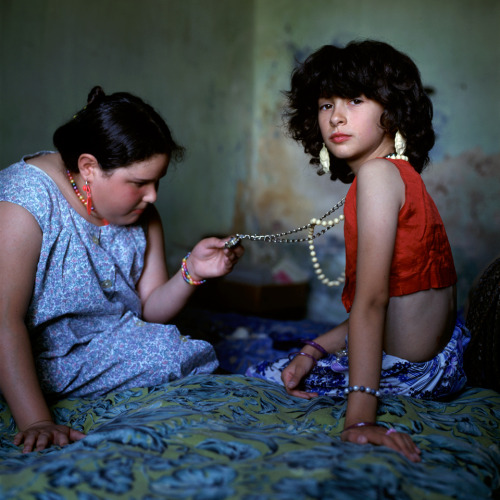 Alessandra Sanguinetti, The Necklace, 1999 http://www.alessandrasanguinetti.com/