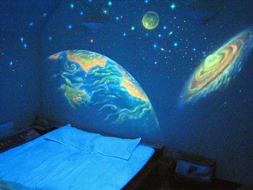 i think we can all agree how awesome this bedroom is.