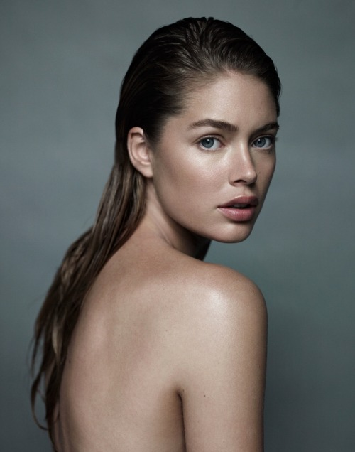 Doutzen Kroes by Alex Cayley ELLE France October 2010