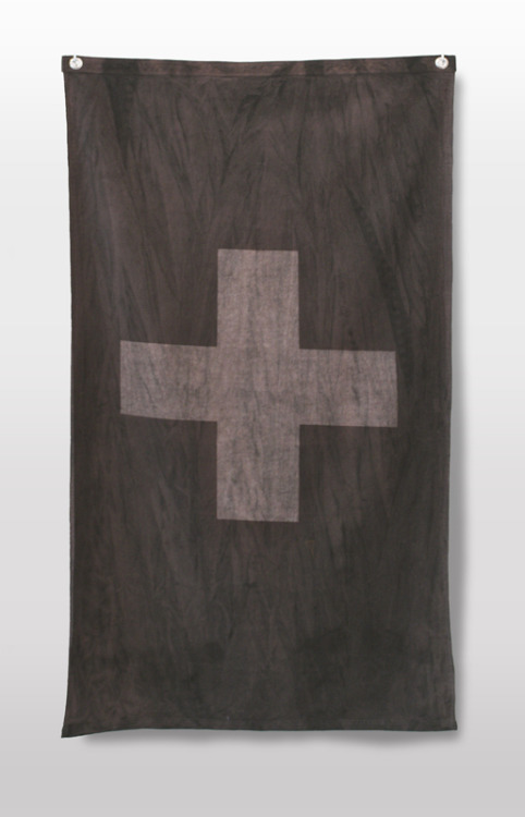 The Neutral Flag by Michael Leon, 2010, silkscreen, fabric dyed, 150 x 97 cm 