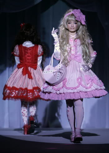 This is my kinda fashion show! Love it!:)