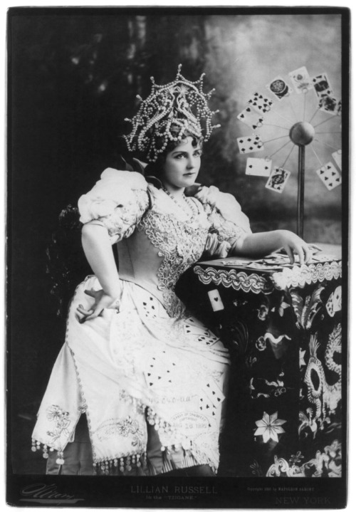 Actress Lillian Russell (1861-1922) as the Tzigane (fortune teller), 1895. From the Library of Congress.