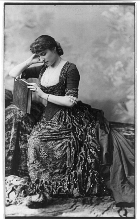 Portrait of actress Lillie Langtry (1853-1929), c. 1882. From the Library of Congress.