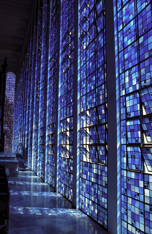 #Photography: Stunning lighting in Stained Glass Blue church