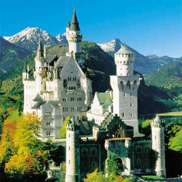 this is Schloss Neuschwanstein <3