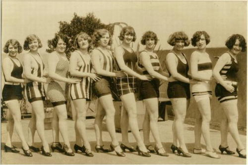 bit of anonymous summerscaping:Bathing Beauties [On the roof garden of the huge knitting mills of the Gantier & Mattern Co. San Francisco, California,c.1925]