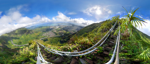 alohaannx3:  Stairway to heaven. I'm going to make it up there <3