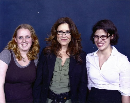 Mary McDonnell did not want us to take photographs at her panel because she didn't want to distract from the intimate setting created by the organizers of this small-ish convention. So instead of my clumsy, blurred from no flash shots (cos that is what would have come out of trying to esoterically take photos of her) I give you the professional photo op picture with myself and my friend Rachel dressed as Starbuck and Roslin.