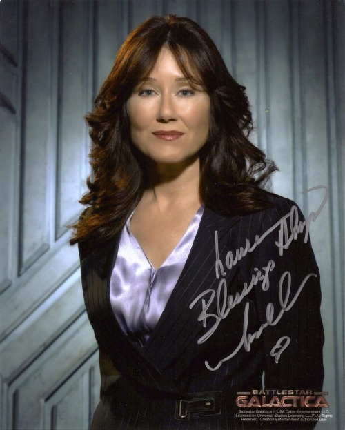 "Mary McDonnell was only at Big Apple Comic Con for one day, but I still snagged an autograph. ""Lauren, Blessings Always, Mary McDonnell *heart"""