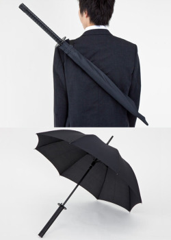 willyverse:  dorkvader:  roadmusic:  nevver:  Samurai Umbrella  I NEED THIS IN MY LIFE.  I DONT HAVE AN UMBRELLA PLEASE GET ME THIS  ok I want this  uh… yes