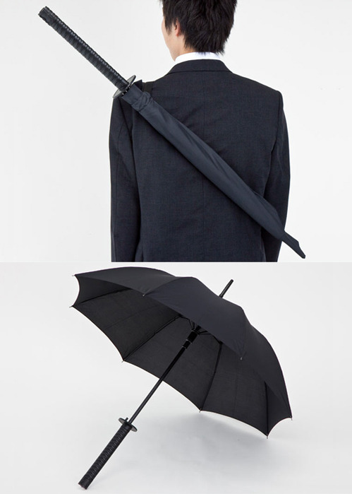 lovepop:  dorkvader:  roadmusic:  nevver:  Samurai Umbrella  I NEED THIS IN MY LIFE.  I DONT HAVE AN UMBRELLA PLEASE GET ME THIS  PLEASE  so much wantttt