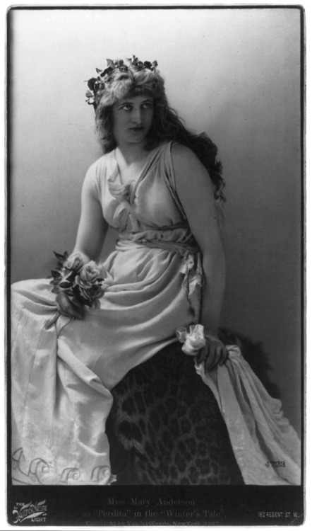 "Mary (Anderson) de Navarro (1859-1940) as Perdita in the ""Winter's Tale,"" 1887. Via the Library of Congress."