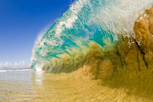 whatjeanlikes:  Amazing wave shot by one of my favorite photographers.  ©Clark Little