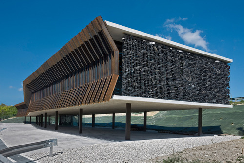 Vaíllo + Irigaray - Corten-steel ribs and solar-filtering…