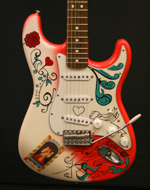 drool on guitars fender stratocaster jimi hendrix monterey. Black Bedroom Furniture Sets. Home Design Ideas