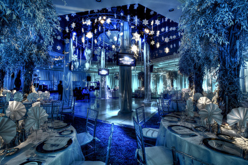 theweddingdiaries:  A Winter Wonderland (by Michael Steighner)  WOW!