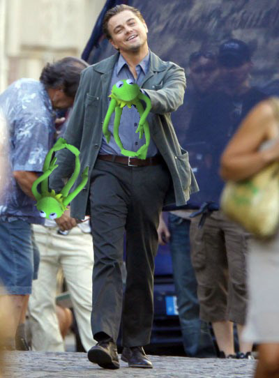 Leo Strut Homeless Kermit Edition!