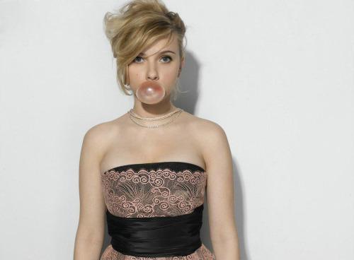 suicideblonde:  Scarlett Johansson