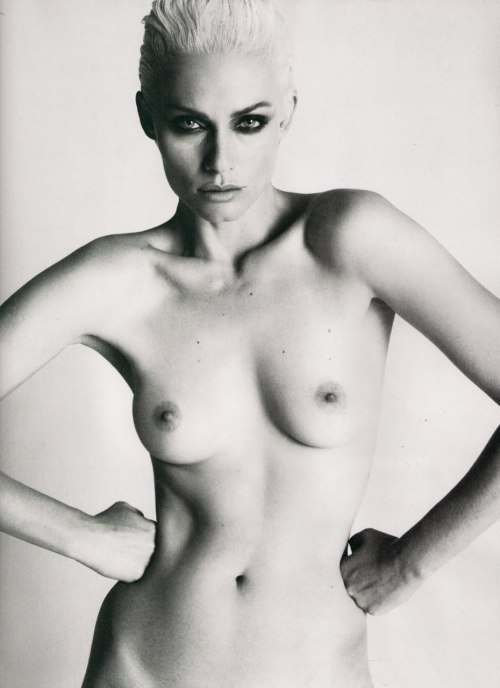 Amber Valletta by Mert Alas and Marcus Piggott LOVE Issue Three Spring / Summer 2010