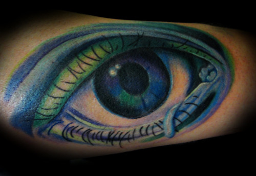 soooooooooooo this is a tattoo i (Holly) just did on my brothers band mate Rob.  he gave me full artistic reign and i think it turned out really effing sweet… omgsus