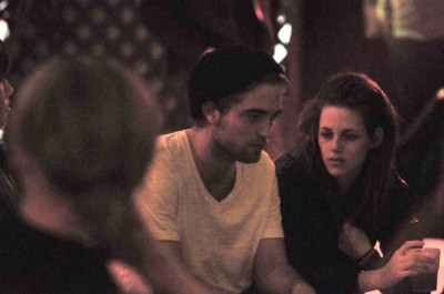 robstenisfearless: The good old twilight days ♥ mafiakstew:  heartkbitch:  Old picture of Robert and Kristen in Rome (10/31/08)