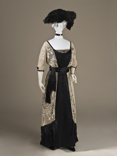 omgthatdress:  Day ensemble ca. 1910-1915 via The Los Angeles County Museum of Art