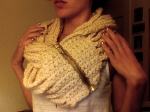 thecrochetery:  just finished: long chain, zippered cowl/scarf in fisherman. 80% lambs wool/20% acrylic. so soft!   Ohmygoodness. I need to get out the crochet hooks. Do you sell these my dearest?