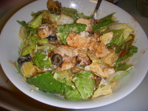 Last night's taco salad dinner! Romaine Lettuce Grilled Chicken Bolthouse Farms Yogurt Ranch mixed with Salsa Black Olives Jalapenos Peppers, Onions and Mushrooms sauteed Avocado (1/4) Tortilla chips