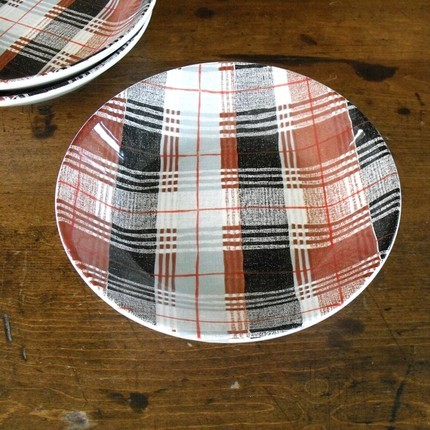 cuteandcomfortable:     plaid side bowls from solstice home   These are going in my future cabinesque dream home. Period.