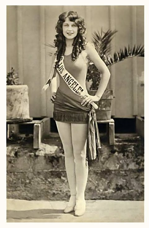mothgirlwings:  Adrienne Dore - Miss Los Angeles and first runner up as Miss America, (1925)