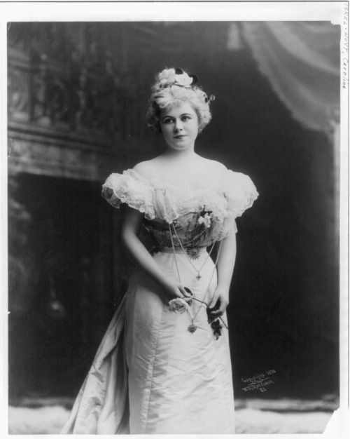 Portrait of stage actress Caroline Miskel-Hoyt from 1898. She died later that year in childbirth.    Courtesy of the Library of Congress.