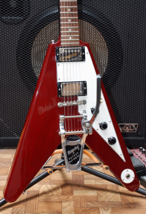 Gibson Flying V Lonnie Mack 1993-1994 When Flying Vs came out in 1958, nobody really cared… except Lonnie Mack who became one of the famous early adopters.  A Vee with a bigsby, you must be lonnie!