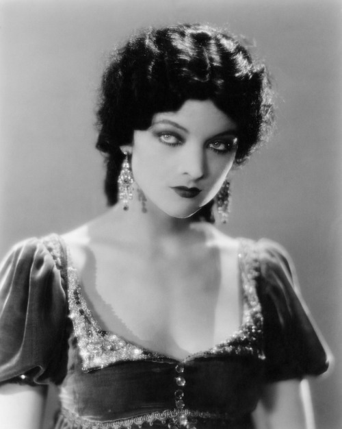 retrogasm:  Myrna Loy… one of the sexiest women to ever live…
