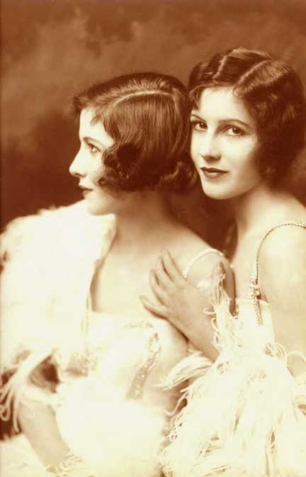 ziegfeld-follies:  The Fairbanks Twins - C. 1922 Photo:  Alfred Cheney Johnston