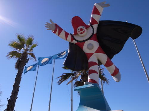 A mildly disturbing clown, Viareggio.
