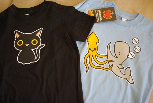 My niece's 3rd birthday is coming up and I picked up these adorable t-shirts for her from my good friend Jen from Sick on Sin. Cute, eh??