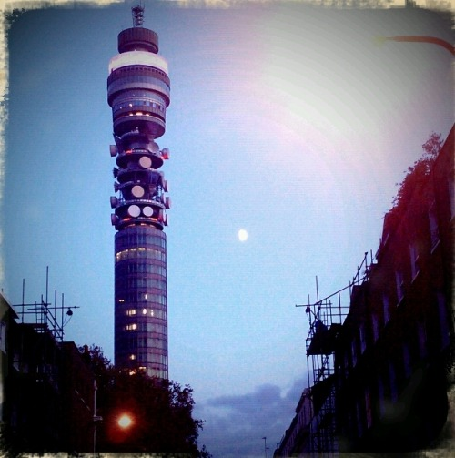 Got this quick shot of the BT Tower yesterday evening while heading into town for a night out. Made perdy by Retro Camera, Android's (free) alternative to Hipstomatic. Although the light in the middle of the image looks like bokeh from the street lamp, it is in fact the moon!