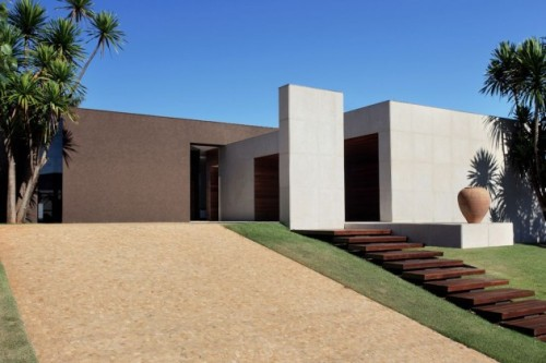 micasaessucasa:  OM House by Studio Guilherme Torres » CONTEMPORIST