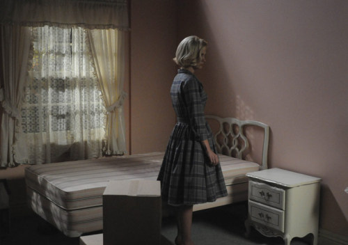 "I GOTTA TALK ABOUT LAST NIGHT'S MAD MEN WITH SOME CAPSLOCK. SPOILERS OBVIOUSLY. DEALWITHIT.GIF BETTY DRAPER, HDU FIRE CARLA. SHE WAS THE BEST PARENT YOUR KIDS EVER HAD. I WAS SO HOPING CARLA WAS GOING TO LET HER HAVE IT FINALLY LIKE ""LISTEN YA WHITE BITCH"" BETTY DRAPER, I STANNED SO HARD FOR YOU SEASONS 1-3. WHY DO YOU MAKE IT SO HARD FOR ME? YOU WERE THAT FIERCE BITCH SEASON 1 WHO SHOT BIRDS FOR YOUR KIDS. YOUR CRAZY WAS SO JUSTIFIABLE BECAUSE OF HOW EVERYONE WAS TREATING YOU! I WAS ROOTING FOR YOU, WE WERE ALL ROOTING FOR YOU. I HAVE NEVER IN MY LIFE YELLED AT A FICTIONAL CHARACTER LIKE THIS. That being said, January Jones would like her 3 Emmys back from whatever bitches keep stealing them from her. I can't believe she didn't get it this year! She's def not going to win for this season UGH. Blahblahblah everyone hates on Mad Men for their flawless victory every year, but it's so snubbed when it comes to those acting Emmys. And whatever, Mad Men will stop winning every year when it stops being better than all the other shows in the category. Which has yet to happen.  Meghan. Oh Meghan. I'm sorry I called you a horsefaced stranger ho at the beginning of the season. It's not your fault you're so horsefaced. I need to rewatch the episode at the beginning of the season where she cries about something in the research session with Faye. Meghan really is the best choice for Don right now. She's been good at being the right mix of what Don needs and wants. You get that French-Canadian tail, Draper. But poor Peggy. Gurlllll. I know you were thinking of what Don said about the ""rules"" and things in The Suitcase. I loved that bit of solidarity at the end with Peggy and Joan. But omg Joan gurlll put out that cigarette! I know it's the 60s and you didn't know yet, but come on! Is it August 2011 yet? :("
