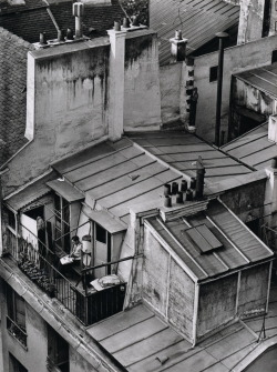 liquidnight:  André Kertész Latin Quarter, Paris, 1926 From On Reading