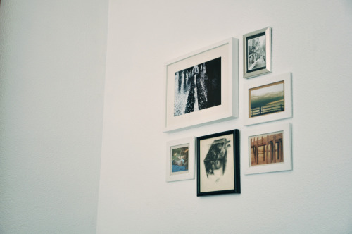 mi pared llena de fotos