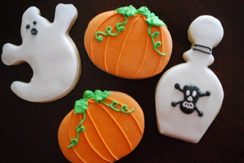 Halloween cookies  (Via The Baking Sheet Blog Spot)