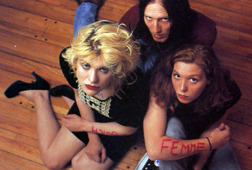 Hole (Courtney Love, Eric Erlandson, Patty Schemel), Select, 1992.
