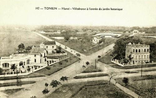 An old postcard of the old Hanoi Velodrome.  That's the velodrome off in the distance.  I'm not sure what the year is but it's a cool photo nonetheless.  Found on Manh Hai's Flickr.