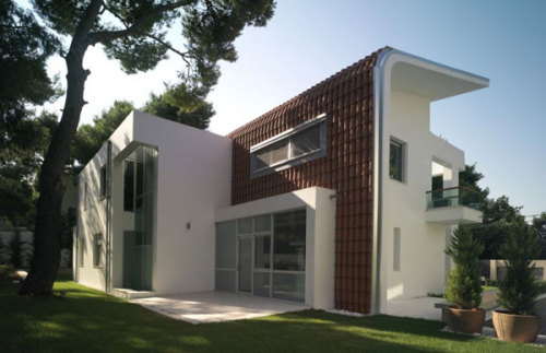 Fascinating White Contemporary Home in Ekali, Greece