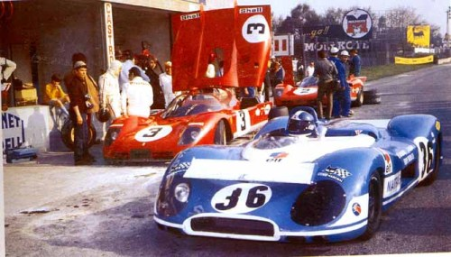 Matra-Simca MS650 and the 512S on the left, at Monza 1970.