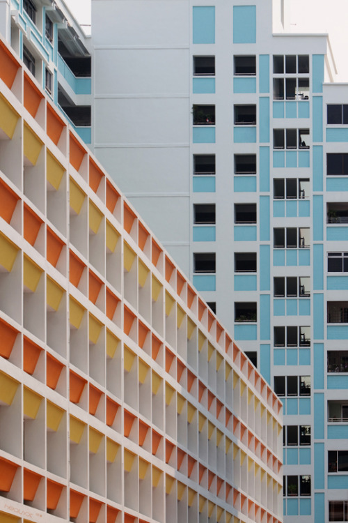 kml: colors of the concrete jungle (via hsalnat)
