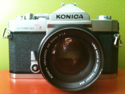 Konica Autoreflex T3 Hexanon AR 1:1.4 50mm Photo Star Rush This is a brick: solid, weights a ton, fantastic shutter and a great lens—just that little nick on the rim, whoops.