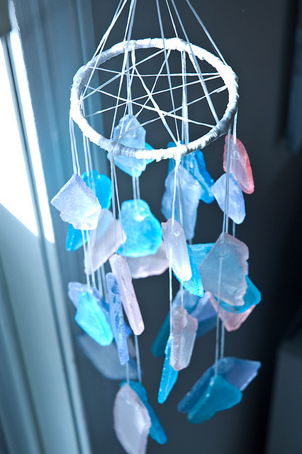 rainbowmummies:  sea glass wind chimes (by alittleamour)